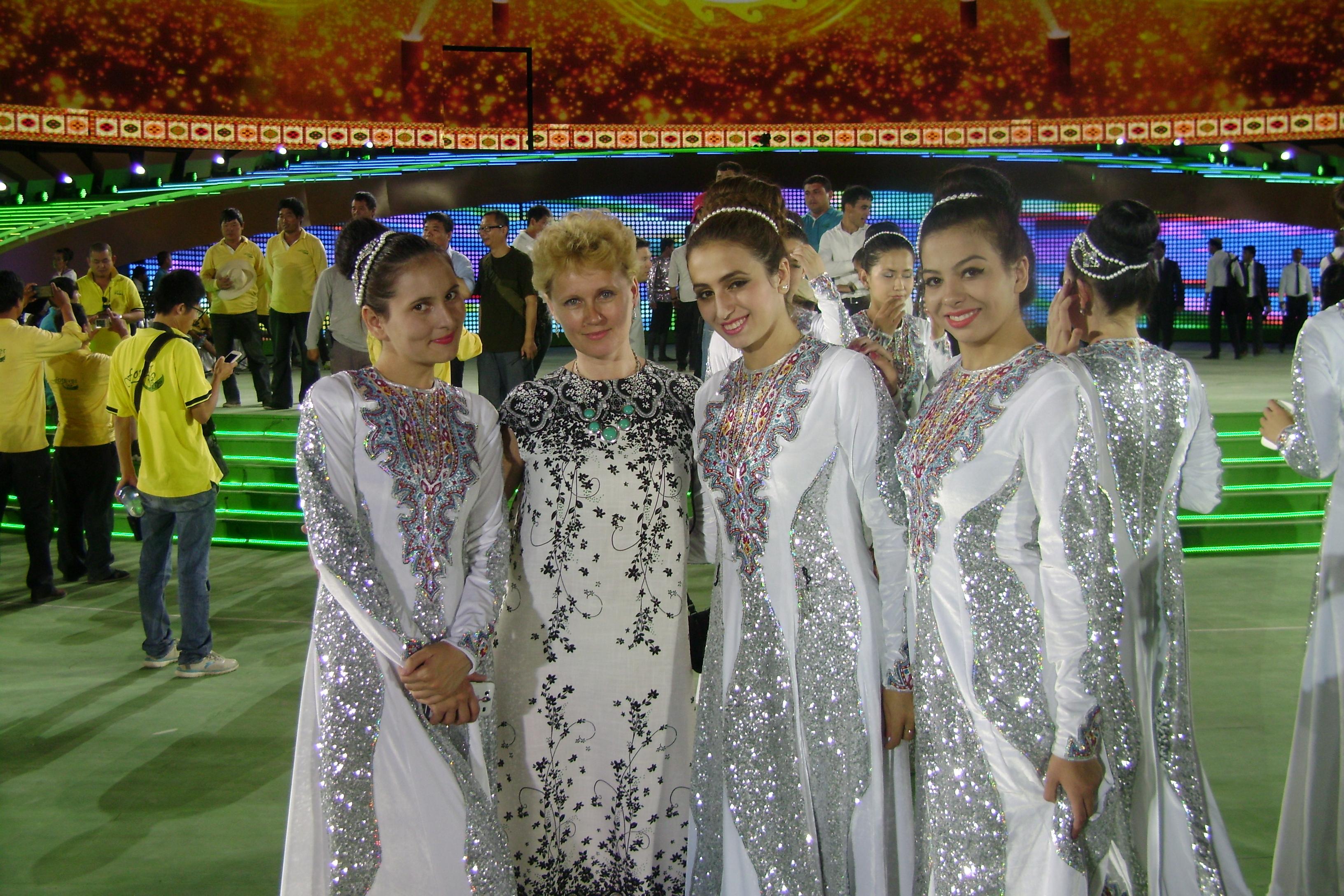Туркменістан: країна, де принципово не носять джинсів і бережуть свої традиції