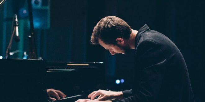 5 квітня у Львівській філармонії відбудеться концерт Єгора Грушина із камерним оркестром