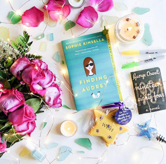 """""""Пошуки Одрі"""" Софії Кінселли: книга про шарм та соціофобію"""